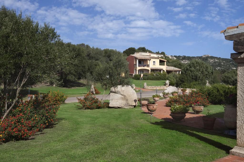 hotel-parco-degli-ulivi-arzachena-sardegnaEsterno camere (3)